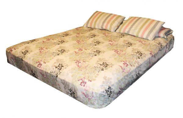 ملاية سرير قطن مزينة بالورود